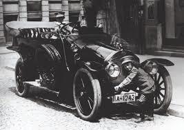 Den första Audi bilen Type A rullade ut från Hochs fabrik år 1910.
