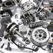Begagnade delar till olika bilmärken. Idag har de flesta bilskrotar specialiserat sina verksamheter. Bilskrotar som sanerar och pressar före fragmentering och avfalls återvinning.