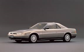Eunos Cosmo var den första serietillverkade bilen att ha en inbyggd GPS-navigationssystem