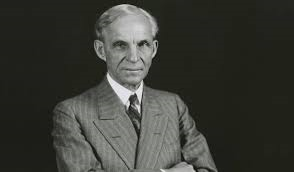 Henry Ford föddes år 1888 i Dearborn nära staden Detroit. Fasern ägde en bondgård och Henry var enda  barnet. Han visade tidigt en speciell teknisk talang.
