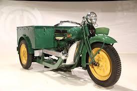 Mazda bildades, som biltillverkare, i Hiroshima år 1921. Företaget hade varit en av de större japanska korktillverkare.