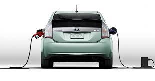 Mazda hybridbil. Japanska biltillverkaren skall erbjuda en hybridbil med ny dieselmotor. Bilen skall lanseras i Europa och Japan 2020. Mazda kommer också att samarbeta med konkurrenten Toyota och bildelstillverkaren Denso om att utveckla elbilar.
