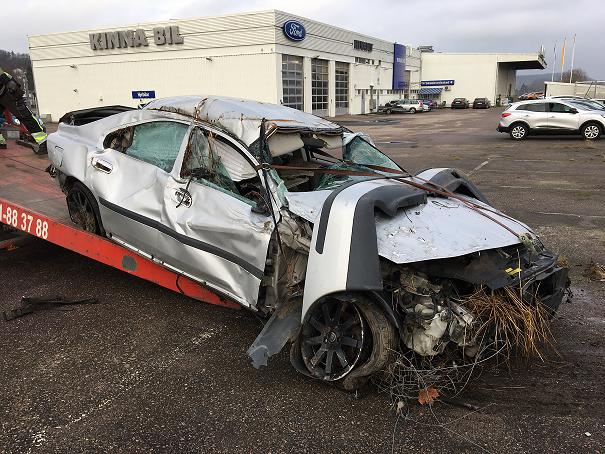 Många undrar hur man skrotar defekt bil. Utgångsläget är troligtvis att bilen inte kan köras till någon bilskrot. Alla auktoriserade bilskrotar tar emot en skrotbil gratis.