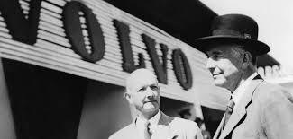 Gustav Larsson, en av AB Volvos skapare, föddes i Vintrosa år 1887. Efter  teknisk grundutbildning i Örebro reste han till England.