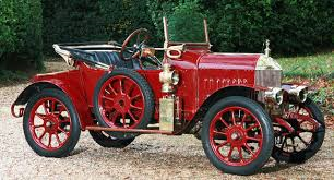 Engelsmannen William Morris sysslade med cykeltillverkning , bilreparationer och biluthyrning i början av 1900-talet. För att starta biltillverkning registrerade han företaget MRM Motors Ltd år 1912.