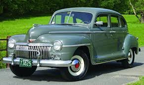 Chrysler konstruerades sedan om till en lågprisvariant som fick namnet Plymouth. De Soto