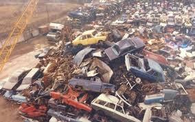 Skrotfrag AB har gått från bilskrotning till recycling av metaller och elektronik. Även om  bildemontering, med försäljning av begagnade bildelar, finns kvar så minskar dess betydelse.