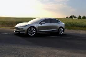 Tesla Motors bildades 2003 i Fremont Kalifornien. Målsättningen vid  uppstarten var att bygga eldrivna bilar. General Motors hade samma år inte insett elbilens förträfflighet utan lagt ned sitt utvecklingsarbete med eldrift.