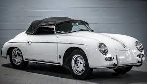 Porsche lanserades som företag år 1931 av Ferdinand Porsche. Först 1948 rullade den första bilen ut från fabriken. Porsche hade varit konstruktör hos Mercedes Benz.